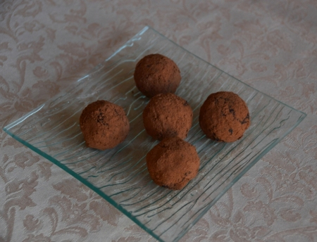 Орехово-семечковые конфеты с какао