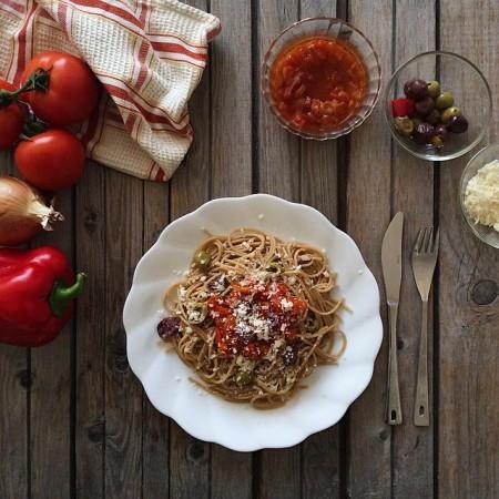 Спагетти из цельнозерновой пшеничной муки с матбухой